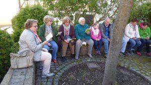 Sängergruppe: Der Mai wird besungen